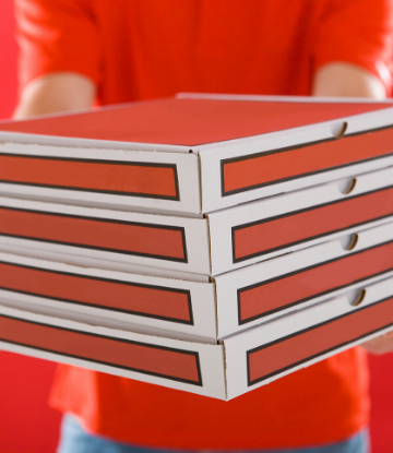 SCS, image of a delivery person holding 4 pizza boxes in a stack